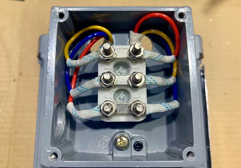 三相鼠笼式异步电动机三角形接法